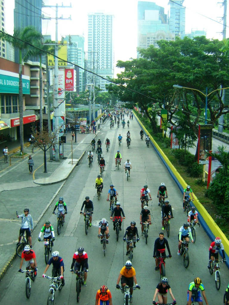 Bikers take over the streets of Manila